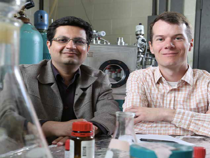 (left) John A. Clark and Edward T. Crossan Chair Professor, Nikhil Koratkar with Professor and Associate Dean for Academic Affairs School of Engineering, Matthew Oehlschlaeger